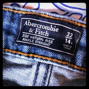 A&F Mom Jeans destructed